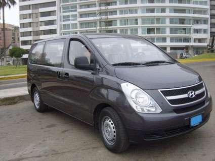 Alquiler de minivan 12 pasajeros