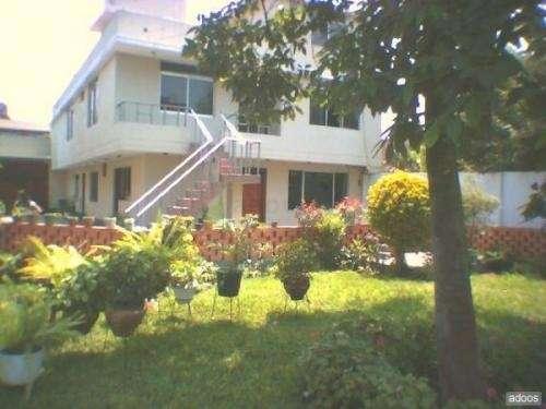 Fotos de vendo casa con amplio jardin y piscina en canto for Casas con jardin grande