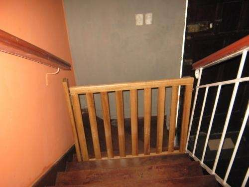 Fotos de Rejas de madera para proteccion en escaleras 2
