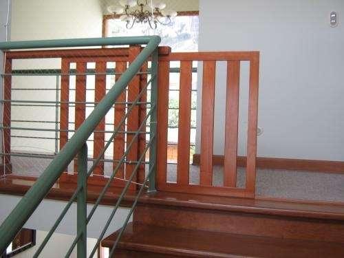 Fotos de Rejas de madera para proteccion en escaleras 3