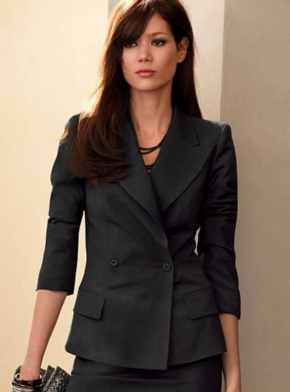 Trajes ejecutivos para dama 2014 - Imagui
