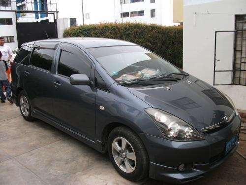 VENDO MI TOYOTA WISH 4