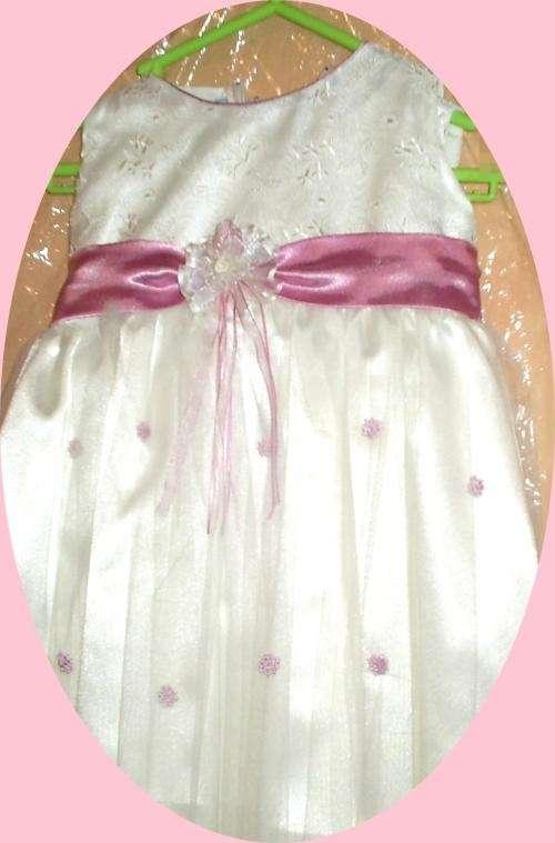 Vestidos para bautizos,primera comunion,confirmacion ,damas de honor etc desde 20 soles