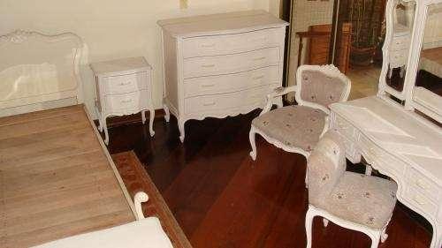 Dormitorio completo estilo luis xv en Lima, Perú  Muebles