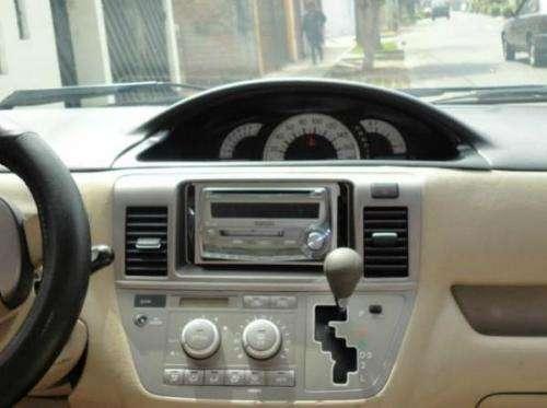 Fotos de Toyota raum 2