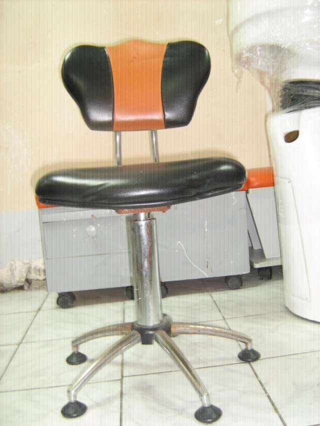 mueble pedicure, manicure (usados) y articulos de peluqueria en Lima
