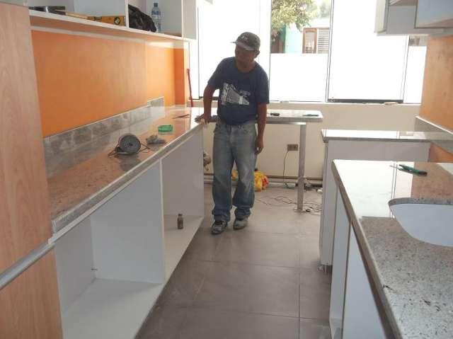 Cocinas empotradas de marmol imagui for Como pulir marmol blanco