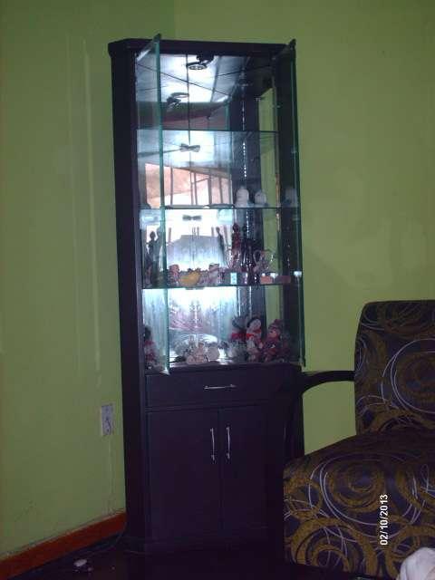 Esquineros de madera esquinero de madera vidriado for Vendo bar de madera