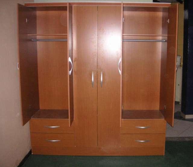 Ropero en melamina imagui for Roperos de madera para dormitorios