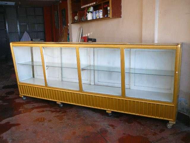 Fotos de Vendo mueble mostrador bajo de madera con vidrio en Arequipa
