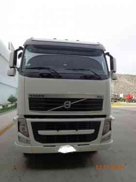 Vendo tractos fh 2010 volvo 400hp en Lima