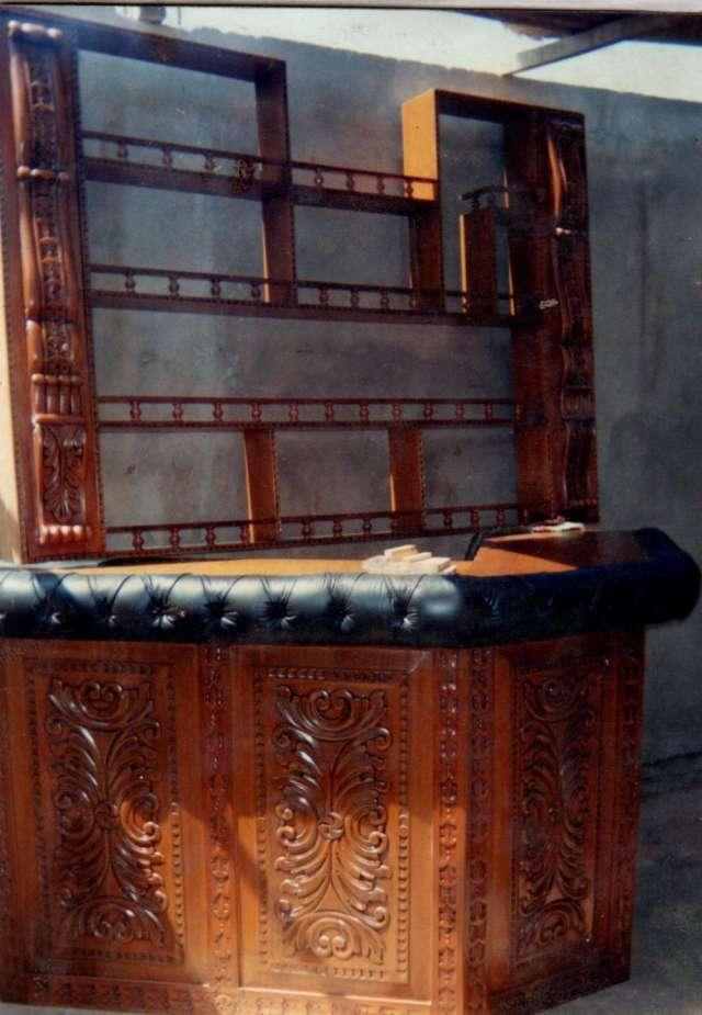 Bares clasicos tallados de caoba en Lima, Perú  Muebles