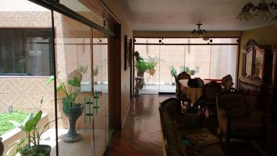 Casa residencial de 3 pisos en huaral