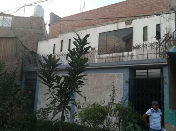 Remato casa 2 pisos, una cdras. av. condorcanqui con av. san felipe, comas