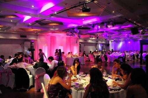 Iluminacion ambiental decorativa para eventos.