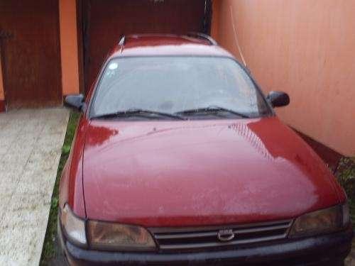Vendo toyota corolla station wagon 1996