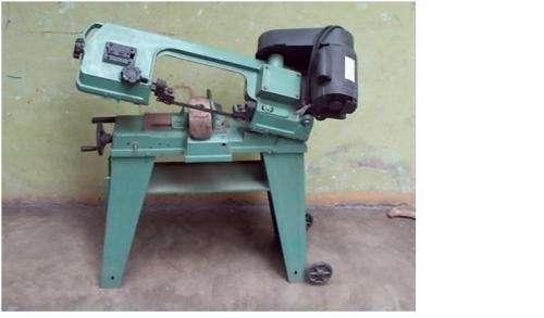 Vendo maquna para cortar materiales metalicos