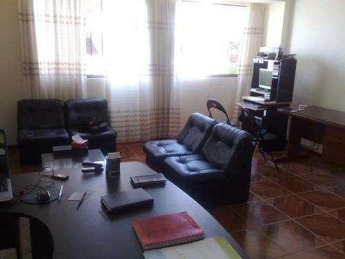 Alquilo oficina: diversas actividades