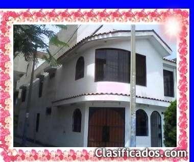$1500 (mensual) alquilo linda casa total amoblada de 3 pisos en santiago de surco