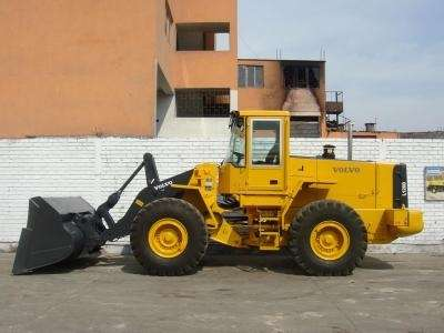 Vendo cargador frontal volvo l120d (lima)