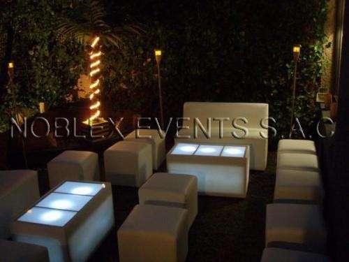 Alquiler zonas lounge led, sistema orefesionales de audio e iluminacion