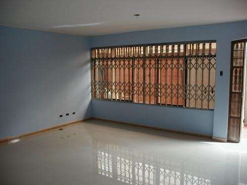 Alquiler casa de estreno 200 m2, la molina