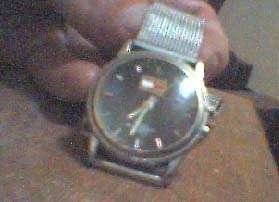 Vendo reloj tommy hilfiger resistente al agua antiguo original s/ 150 soles