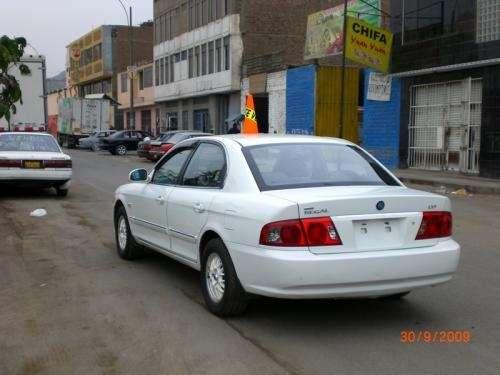 Vendo auto daewoo magnu año 2004 mecanico con glp