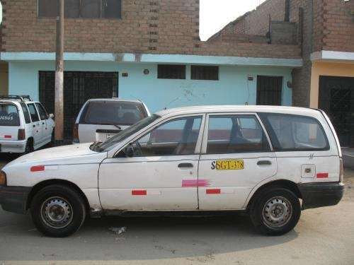 Vendo station wagon nissan ad-93 ocasion por salud familiar