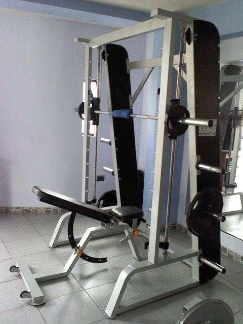 Fabricacion,equipamiento y mantenimiento de maquinas de gimnasio