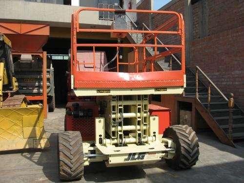 Plataforma elevadora hidraulica de tijera jlg 4x4x2 glp/gasolina(plataforma hidraulica)