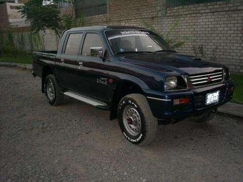 Alquilo camioneta mitsubishi 4x4 intercooler, c/d, año 2000