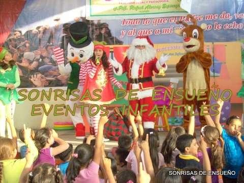 Show infantil navideño con papa noel y los duendecitos