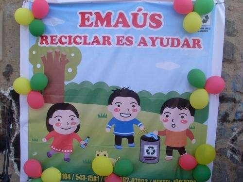 """Traperos de emaus reciclar es ayudar """" su ayuda hace feliz a los que mas necesitan """" telf: 535-1104 /543-1581 /996207802 /100*2733 - carabayllo"""