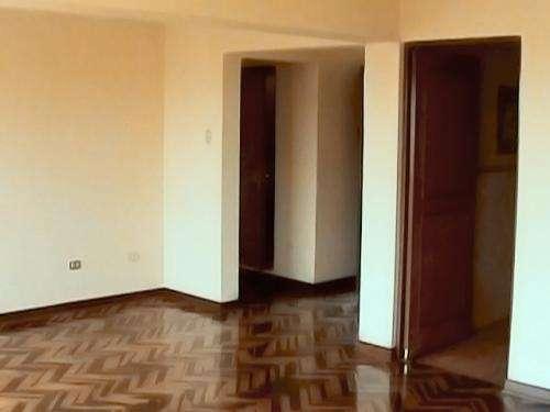Alquilo oficina empresarial de 120 m2 en