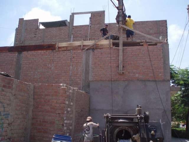 Maestro constructor con 20 años en la construcion