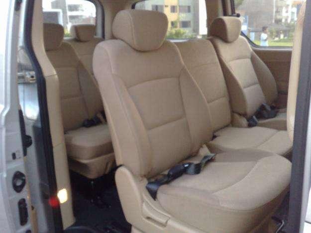 Fotos de Alfred tour suttle, alquiler de van con conductor, transportes privados 3