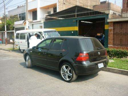 Vendo volskwagen golf color negro motor 1600