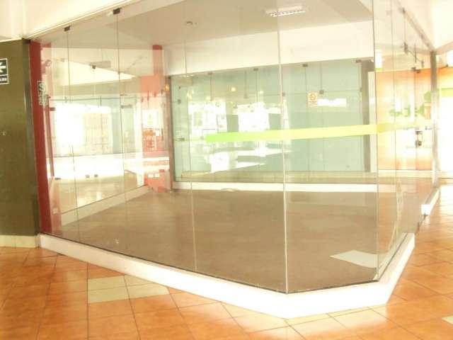 Alquilo tienda para oficina en c.c. la alborada