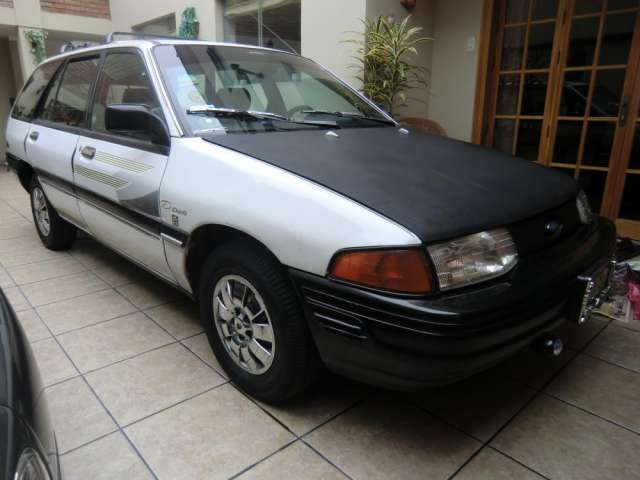 Ford scort station wagon dual , gasolina, glp uso familiar