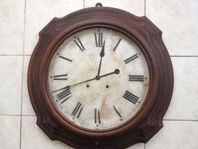 "Reloj de pared ansonia de 28"" del año 1879"