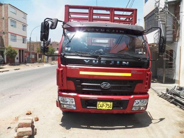 Se vende camion año 2012,1000 km., 6 toneladas, baranda telera, camion ,marca yuejin ,año 2012