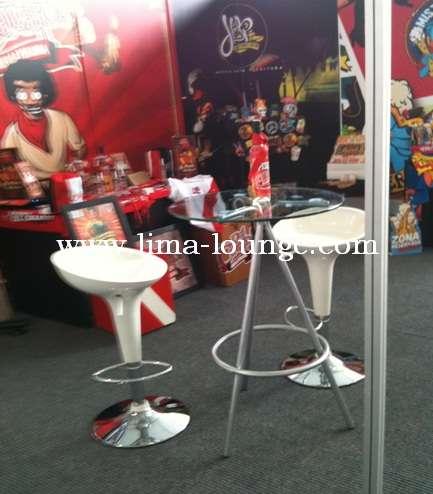 Alquiler de sillas altas decorativas para ferias y stand