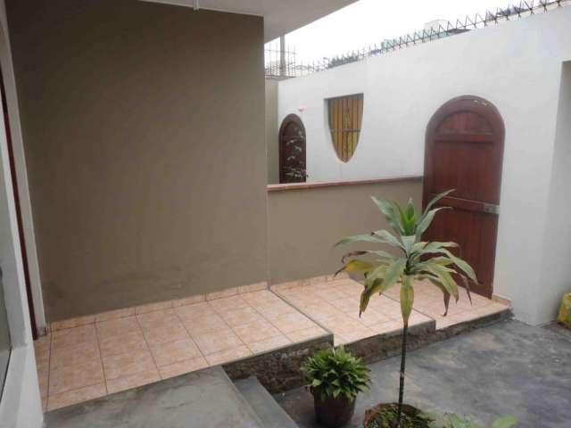 Alquilo casa en av. caminos del inca - surco, para empresa, oficinas, negocio o vivienda