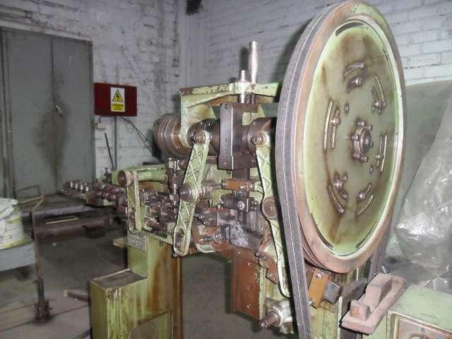 Vendo maquina automatica italiana plegadora y dobladora de metal marca koradi