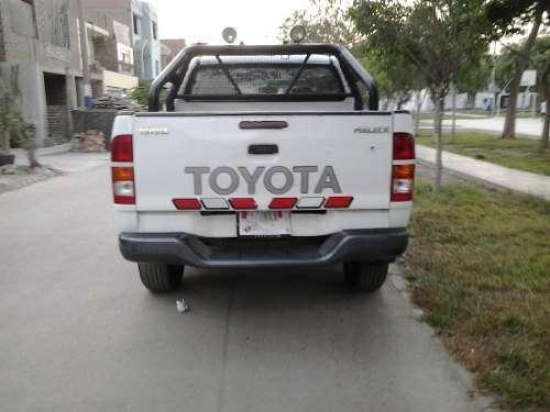 Se alquila camioneta toyota 4*4 2012