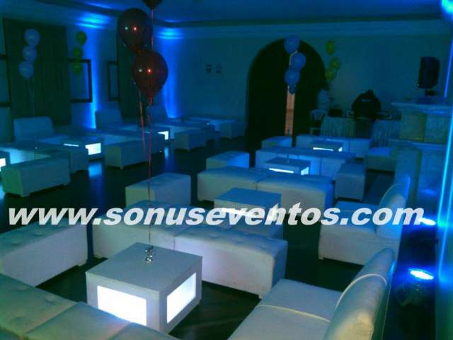 Alquiler venta salas lounge barras moviles open bar sillas altas bar puff 51*140*81 / 994532341 / 2656420