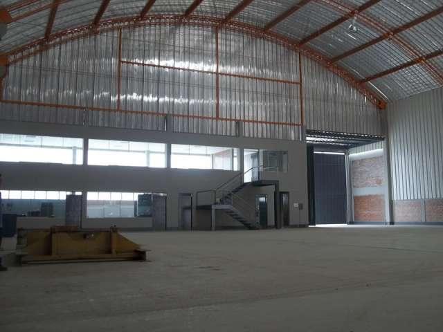 Alquiler de naves industriales en lurin con oficinas administrativas