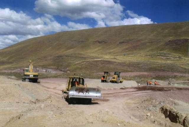 Tractores bulldozer cat en alquiler proyectos mineros