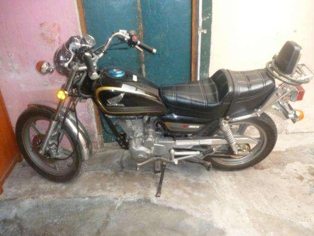 Ocasion vendo moto honda modelo vmen con poco uso